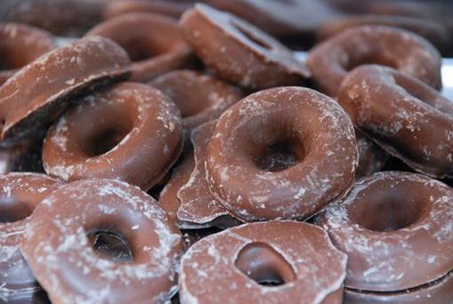 Choc Aniseed Rings in 1kg bag